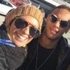 Neymar convida Carol Soares para assistir a treino do Barcelona